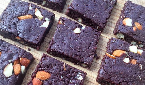 Raw Chocolate & Walnut Brownies